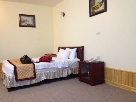 Quang Dung Hotel: My room