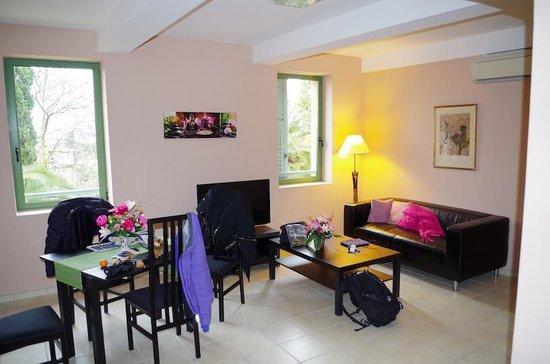Chambres D 'Hotes Serenita Di Giacometti: Living room