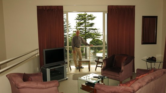 Motel de la Mer: Napier Motel - great room