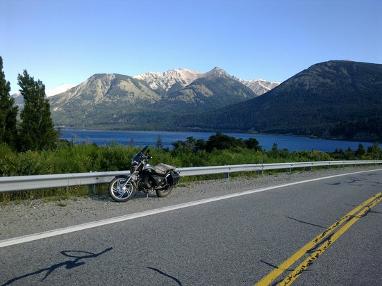 Hosteria Guemes: camino a Bariloche desde Villa la Angostura, maravilloso!!!