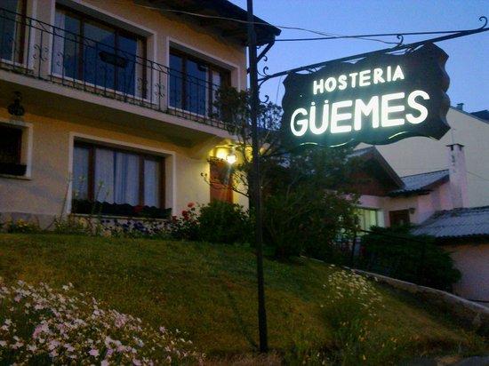Hosteria Guemes: delicada y encantadora fachada