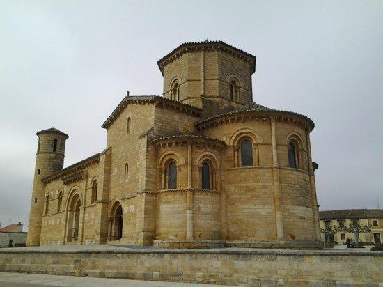 Iglesia de San Martin de Fromista : La parte trasera del templo.