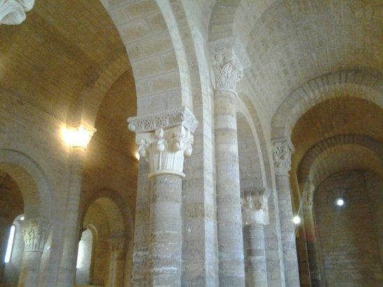 Iglesia de San Martin de Fromista : Vista del interior del templo.
