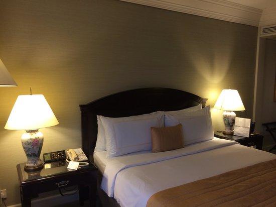 Grand Millennium Kuala Lumpur : King bed