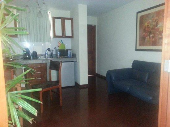 Peru Star Botique Apartments Hotel: Kitchen - entrada