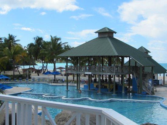 Tranquility Bay Antigua : Jolly Beach Resort pool