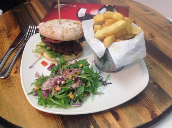 Flanagans Pub: Homemade 6oz beef burger with fresh cut fries and organic salad.