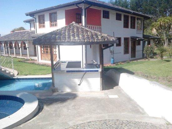 Hosteria San Carlos Tababela: Alrededores