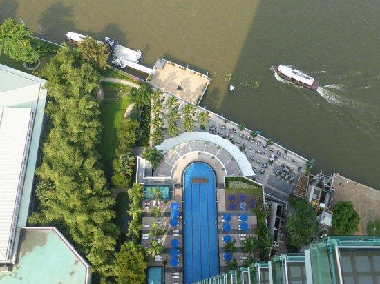 Chatrium Hotel Riverside Bangkok: Pool vom Zimmer