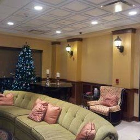 Mardi Gras Casino & Resort: Lobby w/Christmas Tree