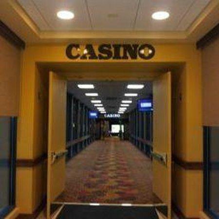 Mardi Gras Casino & Resort: Enter the Casino from inside
