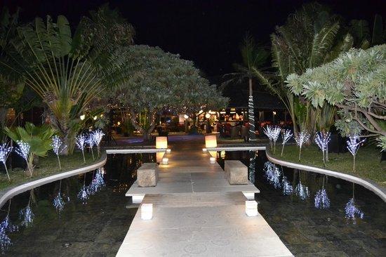 PALM Hotel & Spa: Entrée intérieure de l'hôtel
