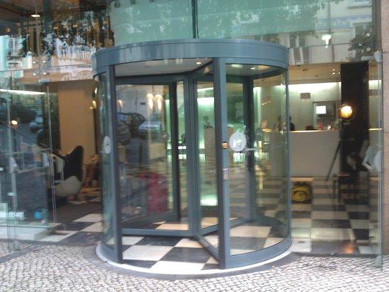 Hotel Florida: Entrance
