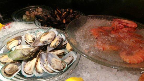 Metropark Hotel Causeway Bay Hong Kong: hotel buffet