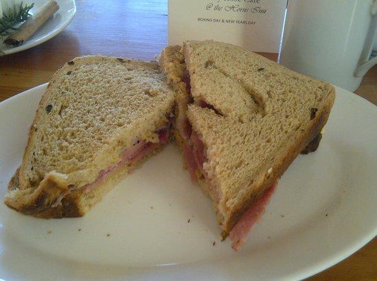 The Horns Inn: Bacon sandwich on fresh brown bread