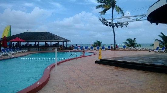Royal Decameron Club Caribbean: By the pool