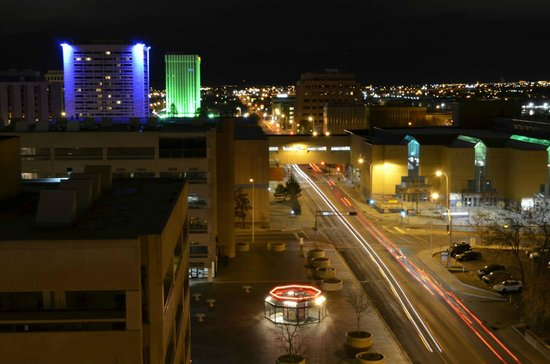 Hotel Andaluz: Night view from our 10th floor king suite!