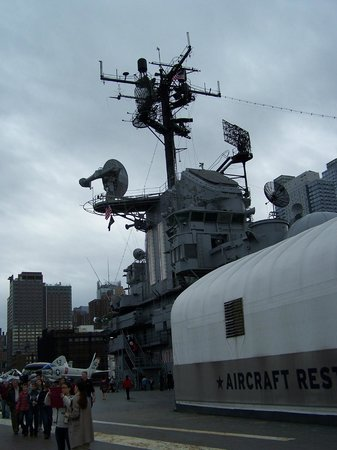 Intrepid Sea, Air & Space Museum : on the deck