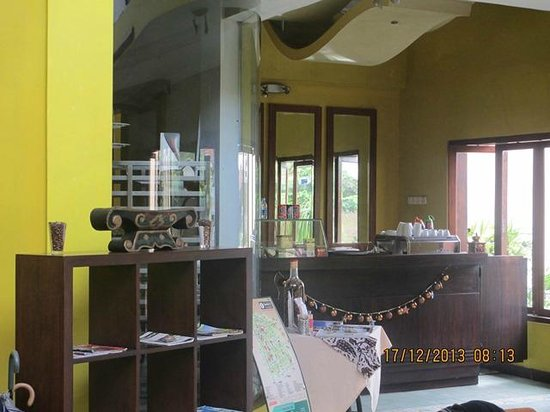 Ministry of Coffee: the coffee shop/lobby