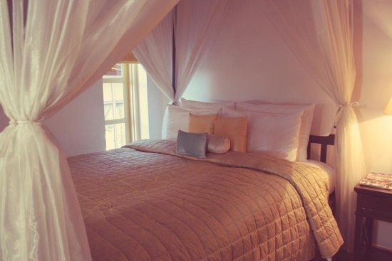 Te Aroha Dhanachuli: The extra bed in Guest Bedroom