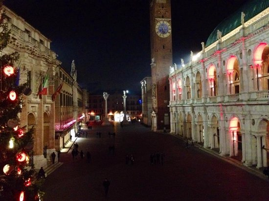 Piazza dei Signori: Christmas at the Basilica