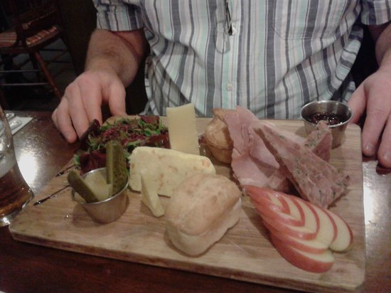 Ye Olde King's Head: the god of ploughmans!!!