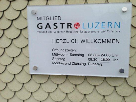 Luthern, Schweiz: Öffnungszieten