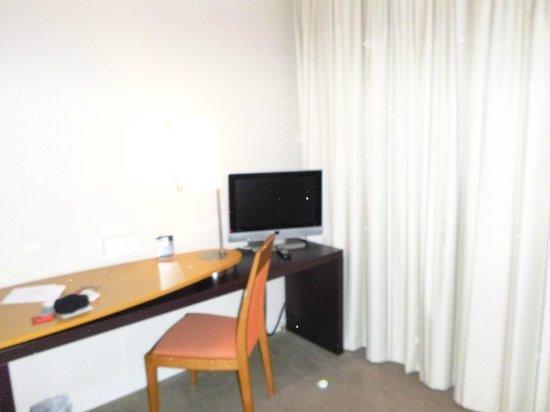 Novotel Suites Paris Nord 18ème: HABITACION