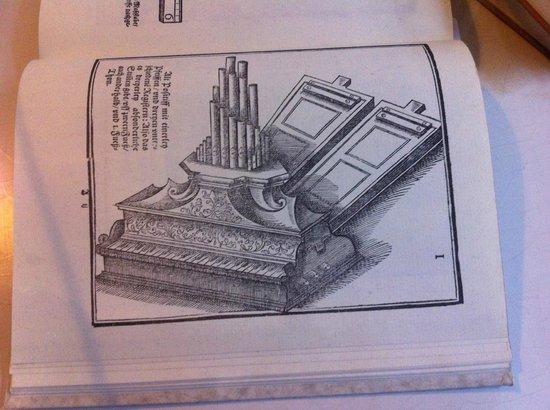 Couven Museum: An illustration of a portative organ