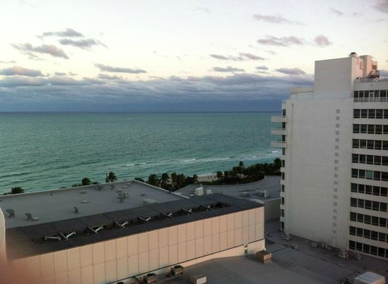 Fontainebleau Miami Beach: Ocean View from balcony in Versailles Tower