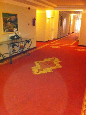 Luxury Bahia Principe Bouganville Don Pablo Collection : Corridor de l'hôtel