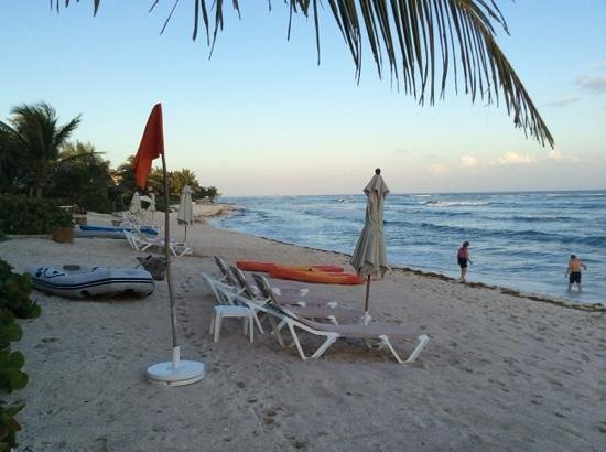 Las Villas Akumal: the beach in front of the villas, late afternoon