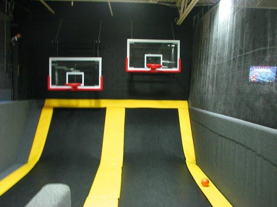 Flight Trampoline Park: Basketball hoops