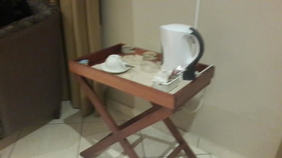 Eagles Nest Lodge & Conference centre: Coffee station