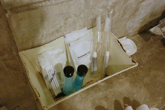 Surintra: bath set