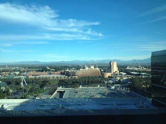 Hilton Anaheim : View of Disneyland from room on 12th floor