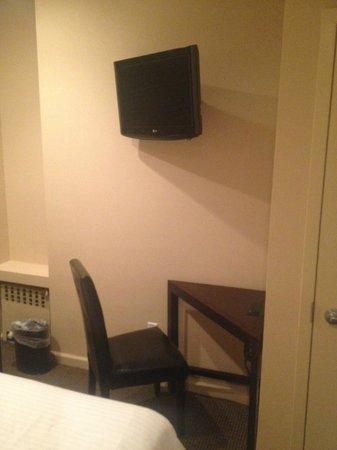 Washington Jefferson Hotel: Single Room 512