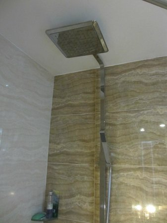 Sanouva Saigon Hotel: Rain Shower 2