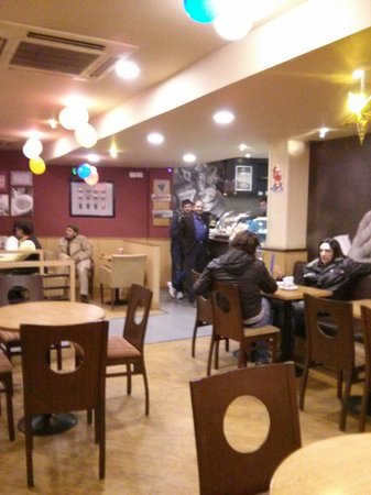 Costa Coffee: Service counter and general view