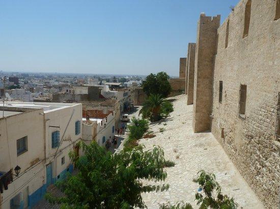 Hotel El Faracha: Vue de la Kasbah sur la Médina de Sousse