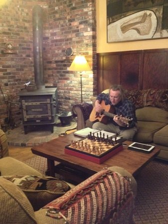 The Armstrong House : Our talented and hospitable host, Mike.