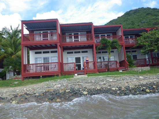 Fort Recovery Beachfront Villa & Suites Hotel: Our room from the water