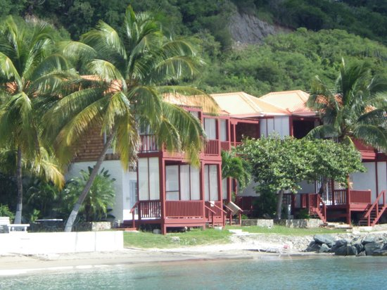 Fort Recovery Beachfront Villa & Suites Hotel: Resort from beach