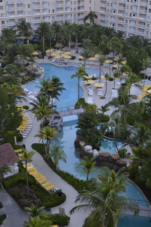 Marriott's Aruba Surf Club : Marriott surf club and lazy river pool from our balcony