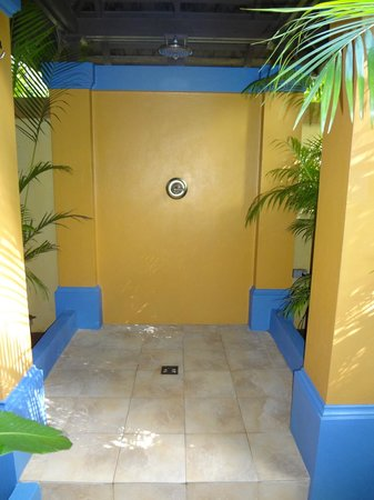 Hermosa Cove - Jamaica's Villa Hotel : Private Outdoor Shower (Also has an indoor shower)