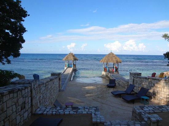 Hermosa Cove - Jamaica's Villa Hotel : Beach area of Hermosa Cove Resort