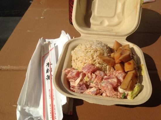 Da Poke Shack: Poke lunch combo with grilled calamari