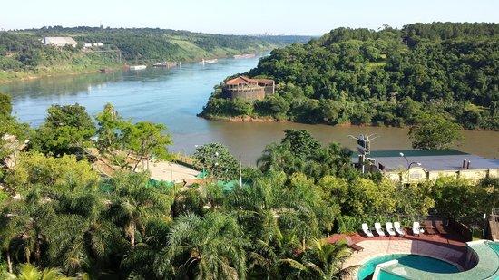 Amerian Portal del Iguazu : Vista da varanda para a tríplice fronteira