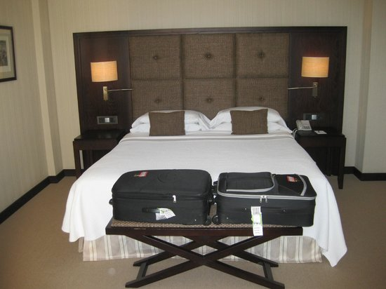 Hotel Nixe Palace: Le lit 180 x 220