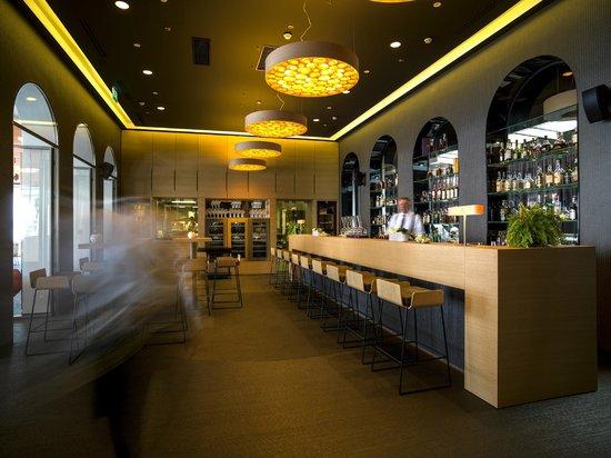 Hotel Bevanda Inside Bar